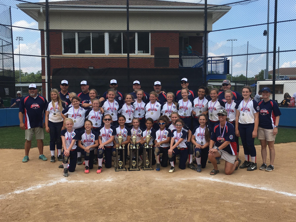 10U and 12U softball champs 2019 - IMG_1127